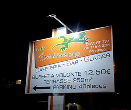 Projecteur LED enseigne Voiron Grenoble